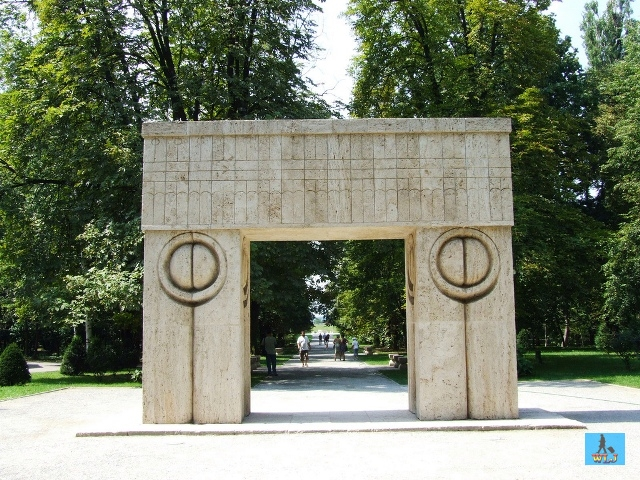 This is the Kiss Gate from Targu Jiu made by the famous sculptor Constantin Brancusi, Gorj County