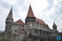 corvinilor castle romania journeys