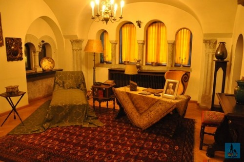 The every day sitting room for the Royal family and guests at Pelisor Castle